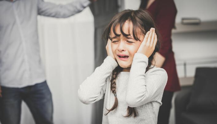 37 prosent av barna med en forelder med schizofreni er fra et skilsmissehjem, og 5,5 prosent av barna bor ikke hos foreldrene sine. Blant barna i kontrollgruppen er 10 prosent fra skilsmissehjem, og 0,5 prosent (som svarer til et enkelt barn) bor ikke hos foreldrene sine. (Foto: jesterpop / Shutterstock / NTB scanpix)