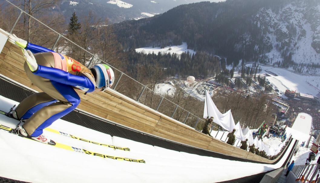 Ville Johann André Forfang klart seg enda bedre enn han gjorde i forrige verdenscup hvis vi var flinkere til å gi poengjusteringer for vær og vind? Bildet er tatt i Planica i Slovenia, den 20. mars 2016. (Foto: Primoz Lovric / NTB scanpix)