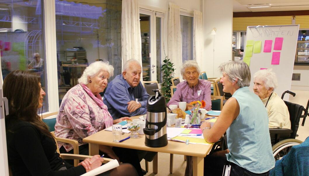Brukere møter forskere på dialogkafé på Ullern høsten 2016.  (Foto: Privat)