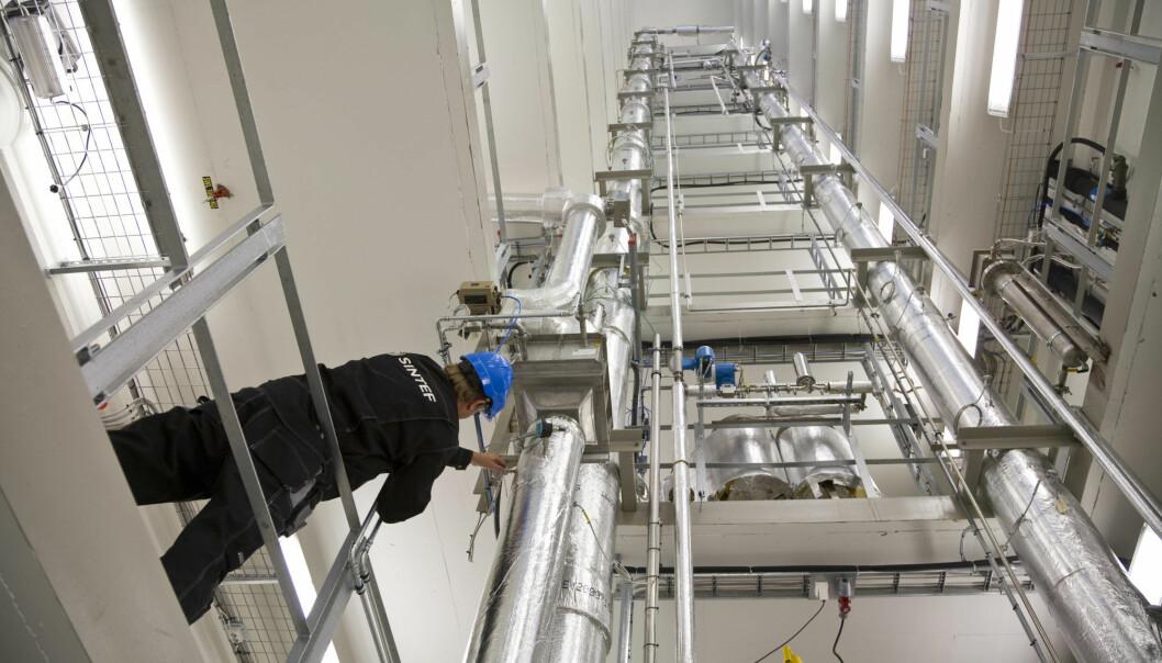 Forskere og industri utvikler kunnskap, metoder og teknologi for å gjøre karbon-fangst og lagring til en gjennomførbar løsning. (Foto: Thor Nielsen)