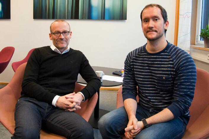 Brynjar Lia og Jon Nordenson forskar på korleis land i Midtausten taklar klimaskifte og overgang frå fossil til fornybar energi. (Foto: Alf Øksdal)