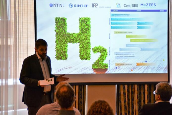 Asgeir Tomasgard presenterer innspill til hydrogenstrategi på forkostmøte i Trondheim 28 mars 2019. (Foto: Lars R. Bang / NTNU)