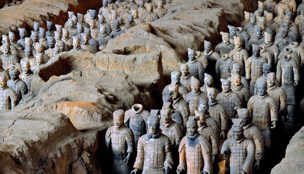 Noen av soldatene som ble avdekket i utgravnungen av terrakotta-hæren. (Bilde: Xia Juxian)