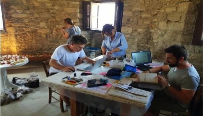 Titusener av keramikkbiter etter amforaer kan gi forskerne ny kunnskap om handel i Middelhavet for 1500 år siden.