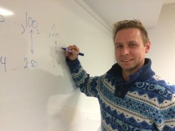 Tom Rune Kongelf ved Høgskulen i Sogn og Fjordane har forska på korleis lærebøkene introduserer algebra på ungdomstrinnet. (Foto: Idun A. Husabø)