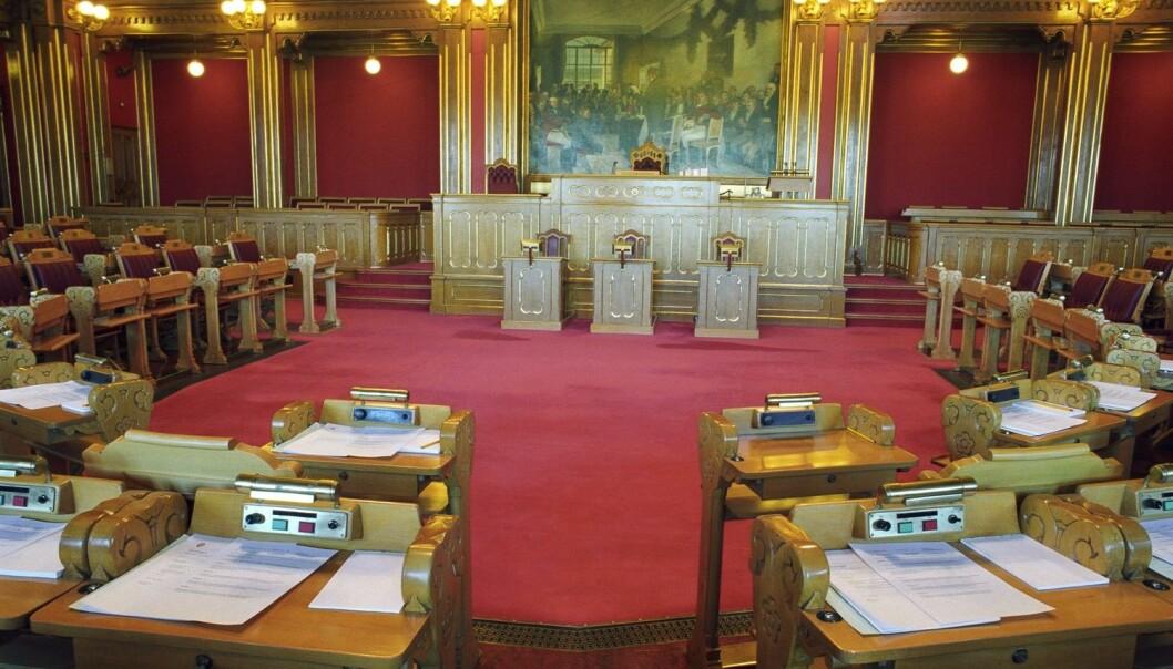 En tom Stortingssal. Ingen politikere. Er det en skremmende eller befriende tanke?  (Foto: © Bård Løken / NN / Samfoto / NTB Scanpix)