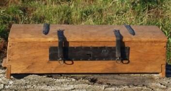 En rekonstruksjon av Mestermyr-kisten. (Foto: Smedelauget Regin)