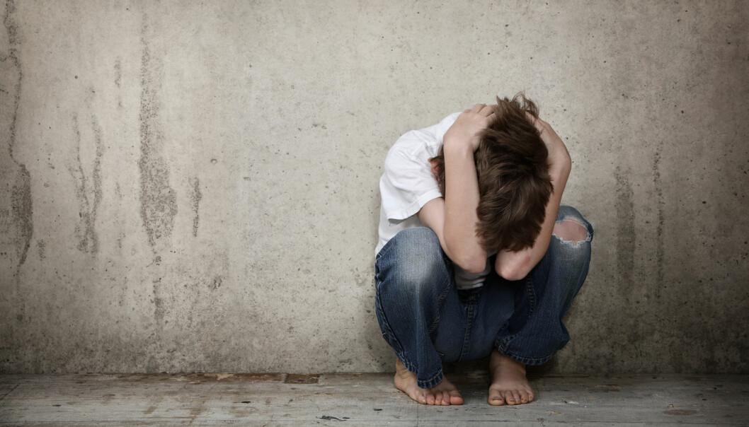 Å kalle barn som opplever vold mellom foreldre for «vitner», er å bagatellisere det de går gjennom, mener kronikkforfatteren. (Foto: Suzanne Tucker / Shutterstock / NTB scanpix)