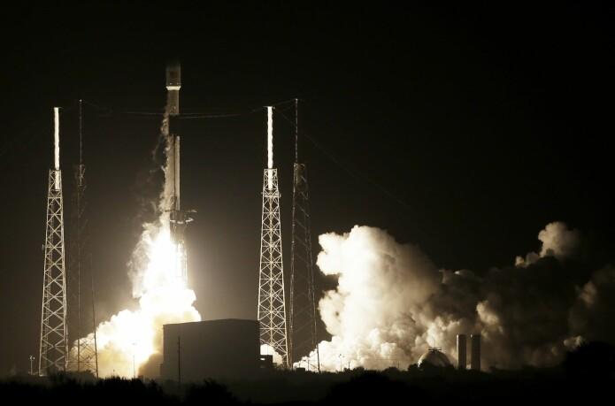 Det israelske romfartøyet Beresheet ble skutt opp med en rakett av typen Falcon 9 i Florida i februar. (Foto: Terry Renna, AP, NTB scanpix)