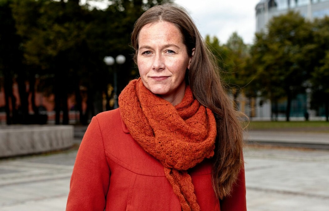 Forfatter Bergljot Kaslegard gruer seg til å bli gammel. Hun mener at hun har skriver ut sin redsel i sin siste roman. (Foto: Niklas Lello/Aschehoug)