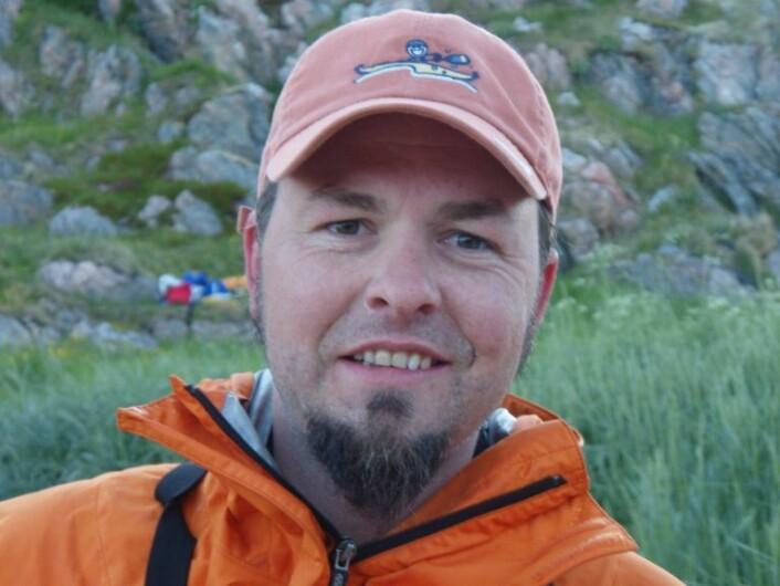 Trond Elling Barstad disputerer 4. november med en doktorgradsavhandling som gir et større innblikk i hvordan plantevepsen lever i nord. (Foto: privat)