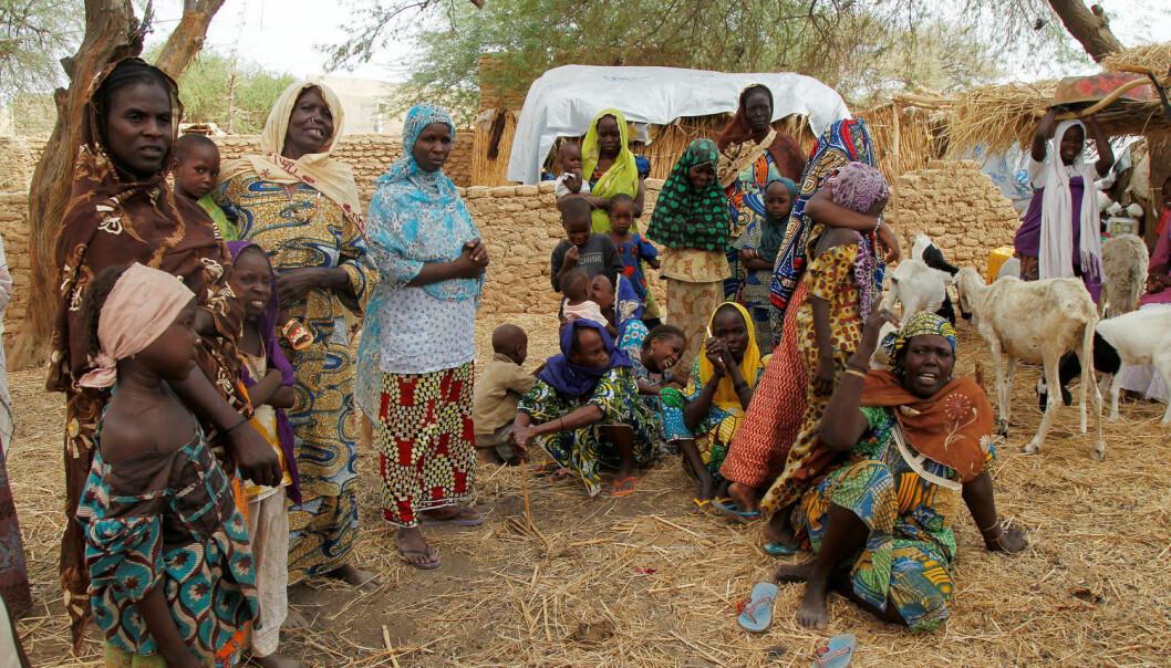 Boko Haram held seg nordaust i Nigeria, i relativt utilgjengelege grenseområde. På bildet er nigerianske flyktningar som har reist frå landsbygda si som følge av eit angrep av Boko Haram. Bildet vart teken 21. juni 2016. (Foto: Reuters / NTB scanpix)