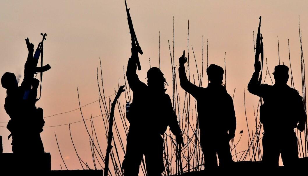 Bør vi hente hjem de norske IS-krigerne og straffe dem her?