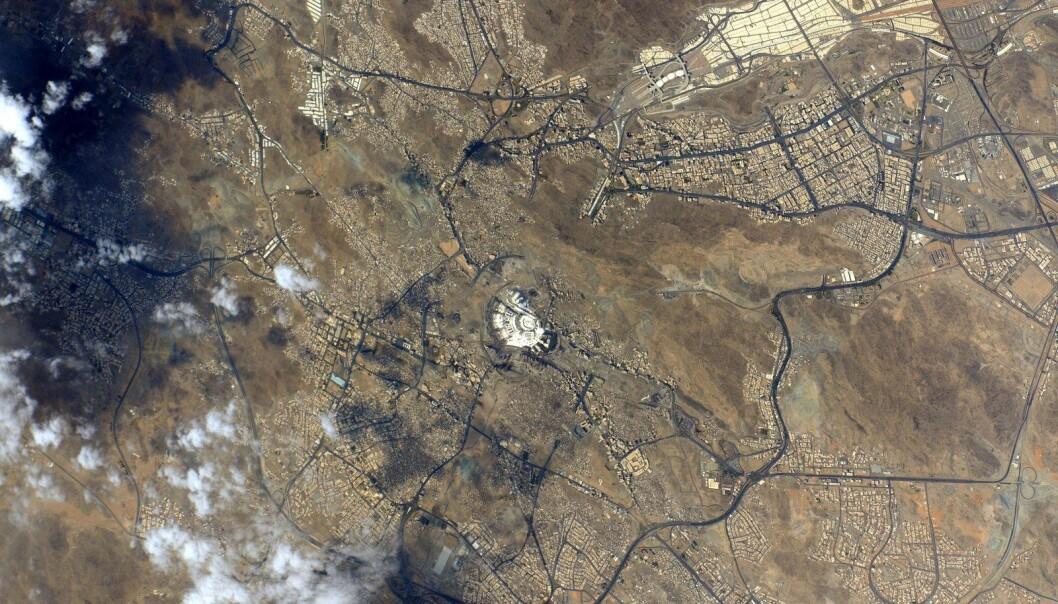 Kelly tvitret dette bildet fra romstasjonen den 23. september 2015 og skrev: #GoodMorning to the Holy City of #Mecca #Makkah! #YearInSpace. (Foto: NASA)