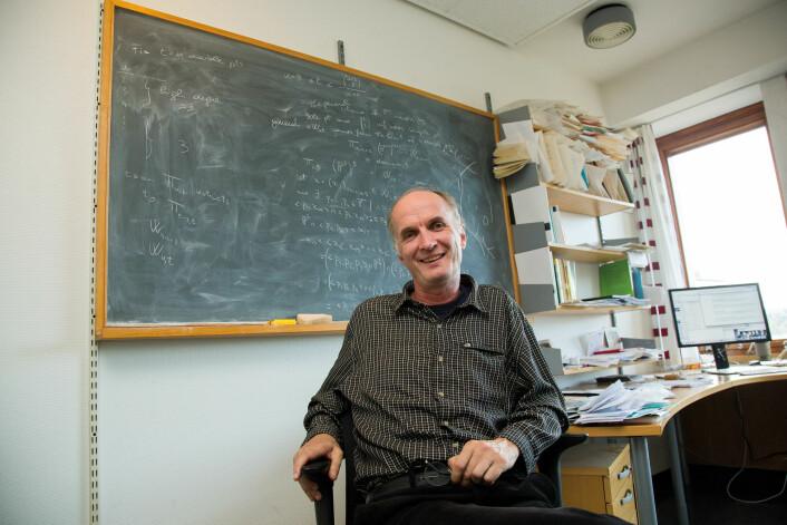 Matematikkprofessor Kristian Ranestad påpeker at enhver matematisk læresetning, uansett om den er fremsatt på Abels tid eller i antikken, både er evighetsvarende og allmenngyldig. (Foto: Yngve Vogt)