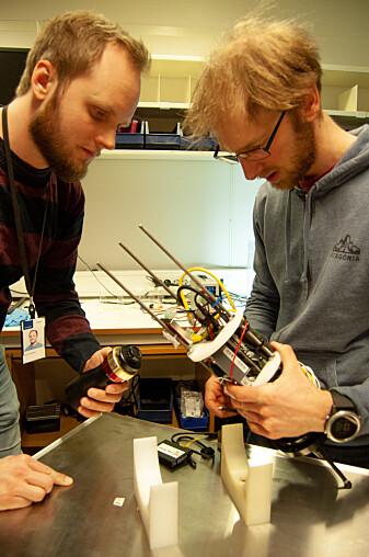 Bjarne Kvæstad og Emlyn Davies er to av forskerne bak teknologien. (Foto: Sintef)