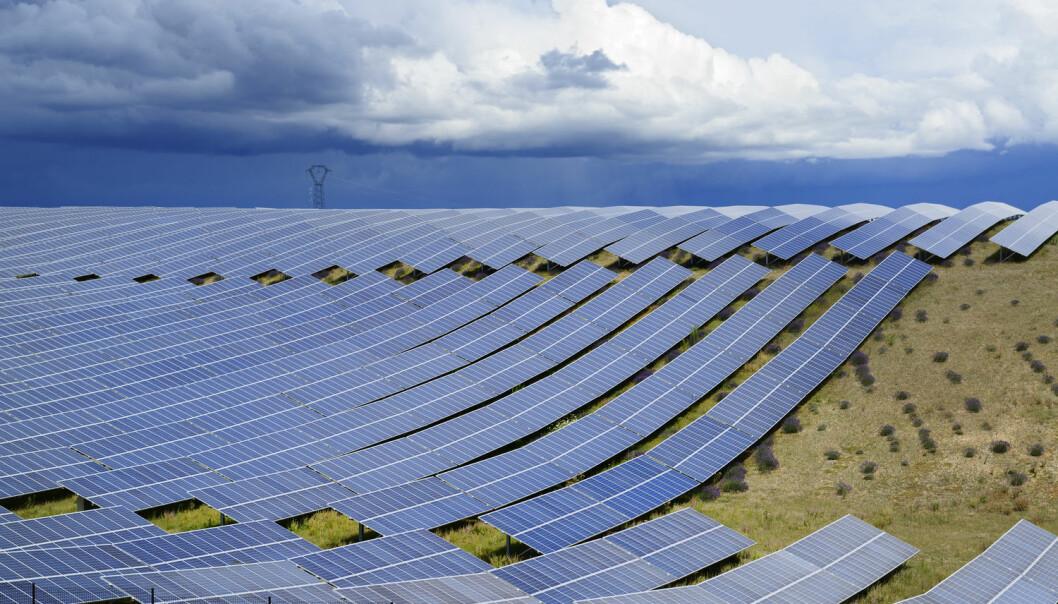 Solceller kan bli enda mer utbredt hvis forskerne løser fire overordnede problemer. (Illustrasjonsfoto: Mny-Jhee / Shutterstock / NTB scanpix)