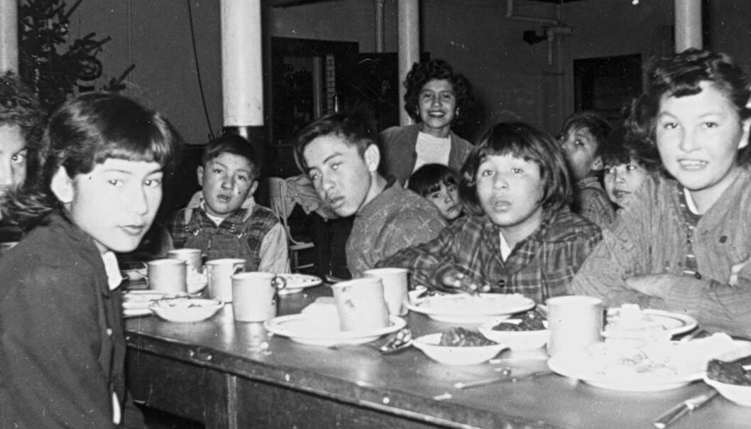 Inspeksjoner gjort ved flere av internatskolene 1940-tallet avdekket at barna fikk lite og dårlig mat og at svært mange var undervektige.  (Foto: General Synod Archives, Anglican Church of Canada)