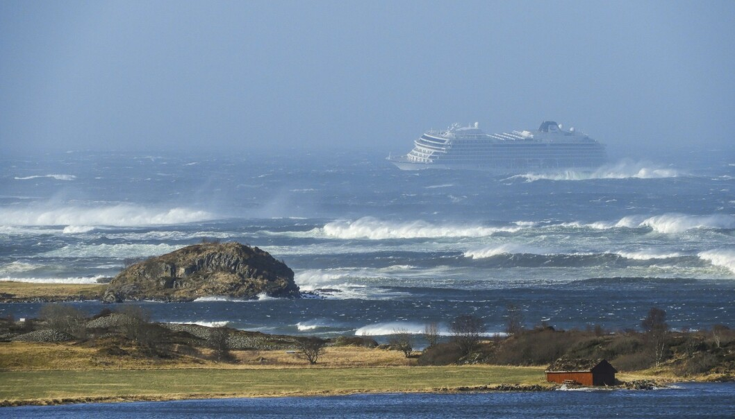 I alt måtte 36 personer til sykehus for behandling etter at Viking Sky havarerte på Hustadvika i Møre og Romsdal i mars måned. Totalt var det 1373 personer om bord i cruiseskipet. (Illustrasjonsfoto: Frank Einar Vatne, NTB scanpix)