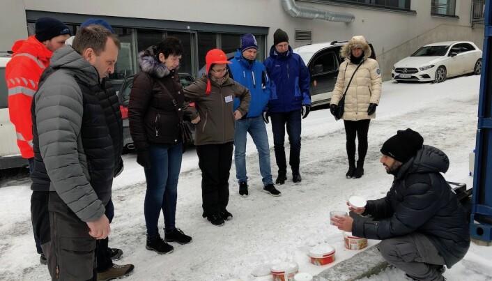 Henri Giudici under et kurs som Statens vegvesen holdt for entreprenører som holder veiene snøftrie. (Foto: Øystein Larsen, Statens vegvesen)