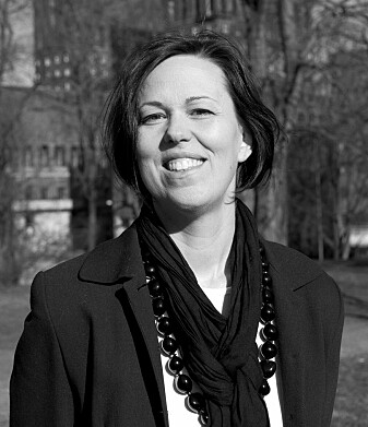 – Det er definitivt i alles interesse å undersøke jordsmonnet på arealene der kister skal begraves, sier landskapsarkitekt Ingrid Klingberg. Hun jobber blant annet med gravplassutvidelsen ved Røbekk kirkegård i Molde. (Foto: Grindaker AS)