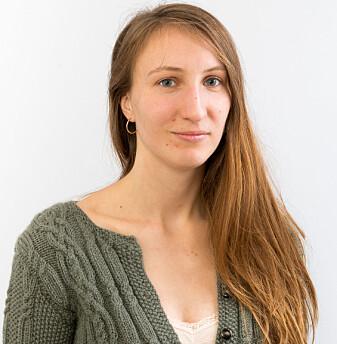 – Det er kjempeviktig at arealene har egnede jordmasser der gravinnholdet blir brutt ned, sier forsker Inghild Økland, som er paleontolog og jordekspert. (Foto: NIBIO)