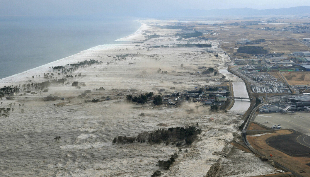Her treffer tsunamien i 2011 den japanske kystlinjen. Bildet er fra Iwanuma, det samme området som de eldre som deltok i forsøket bodde i. (Foto: Kyodo/Reuters/NTB Scanpix)