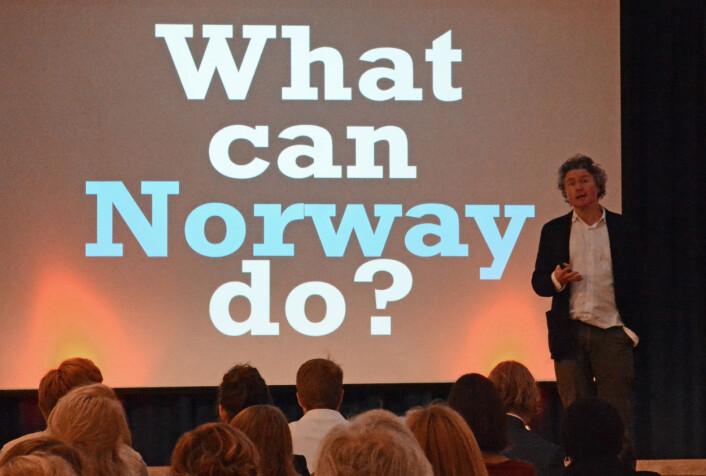 På forskningsseminaret til ExtraStiftelsen snakket Goldacre om hva Norge kan gjøre for å sikre publisering. (Foto: Ida Kvittingen, forskning.no)