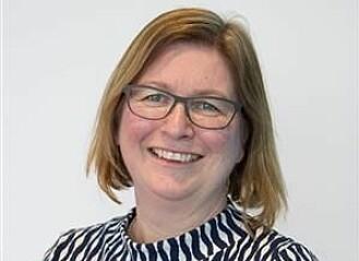 Professor Elisabet Ljunggren ved Nord universitet påpeker at menn generelt blir favorisert av både kvinner og menn i jobbsøknader, og at studien mangler dette kjønnsperspektivet. (Foto: Nord Universitet).