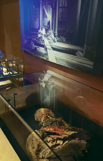 Den unge kvinnen ble gravlagt i Uvdal stavkirke på 1300-tallet. (Foto: Ellen C. Holte/KHM)