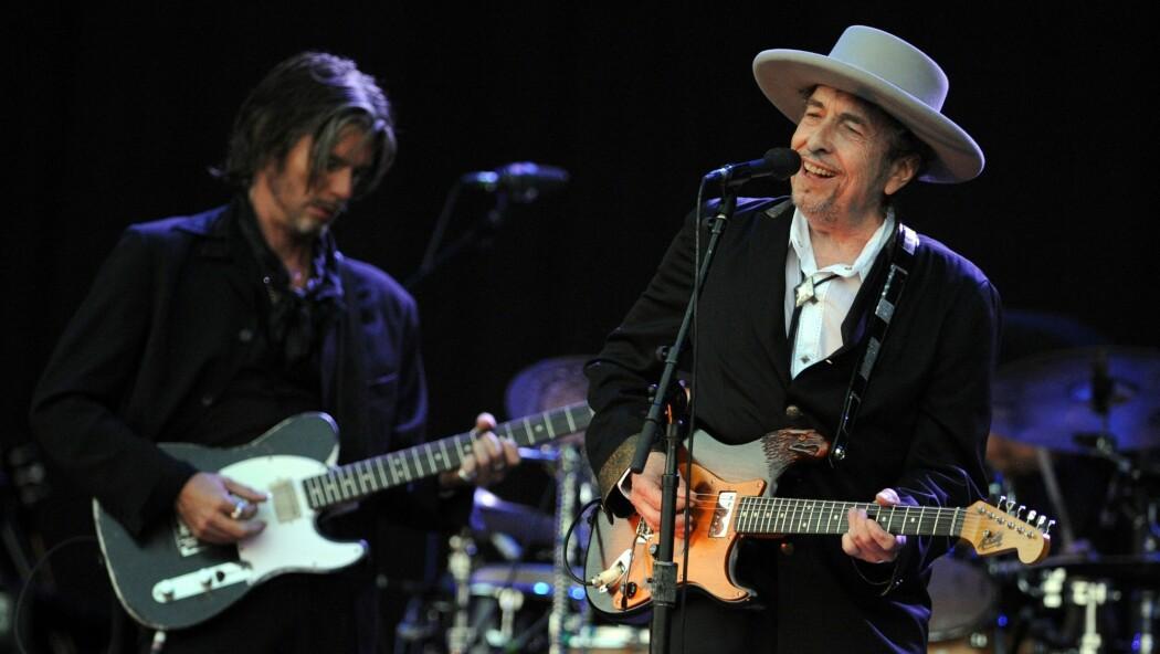 Legenden Bob Dylan, her avbildet på en musikkfestival i Frankrike i 2012. (Foto: AFP)