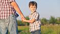 Foreldrene er årsaken til at unge får sosialstønad