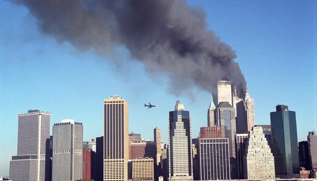 Terrorangrepet på New York 11. september 2001 drepte nærmere 3000 mennesker. Mange amerikanere frykter at noe lignende skal skje igjen. Mer enn halvparten mener dessuten at myndighetene holder informasjon om 9/11 skjult for dem. (Foto: Polaris/NTB scanpix)