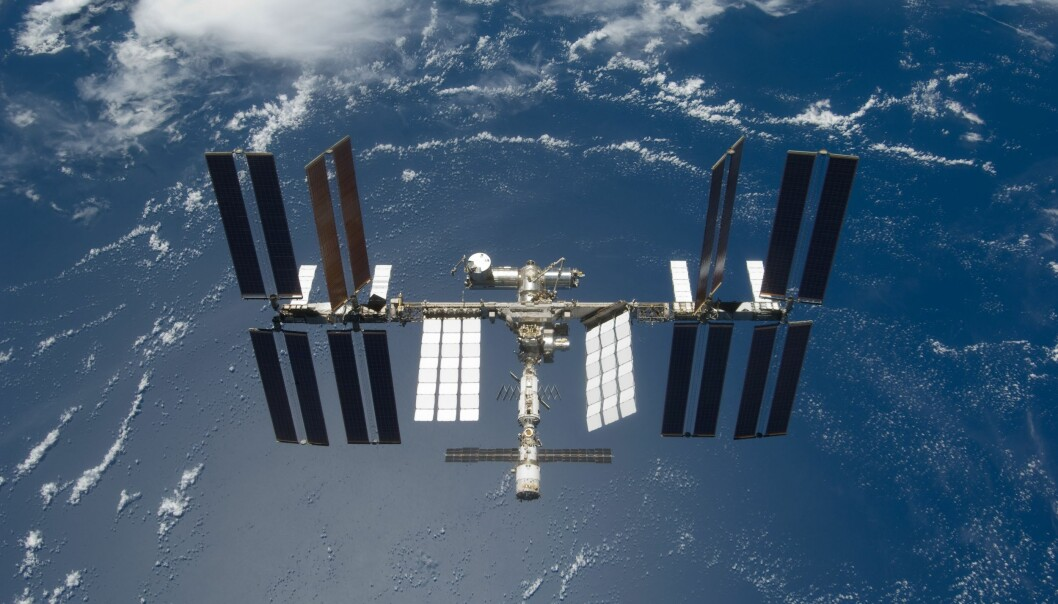 Et norskdrevet eksperiment møtte uventede problemer på grunn av en passordlåst datamaskin på Den internasjonale romstasjonen. (Foto: NASA)