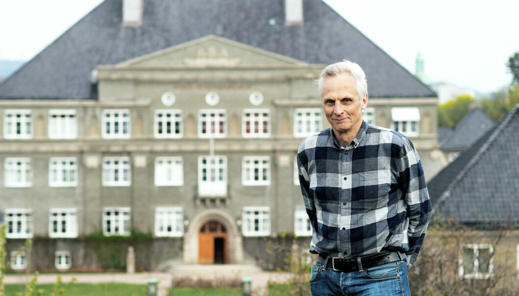 Tore Sivertsen, tidligere forsker ved NMBU, har brukt mye av pensjonisttiden sin på å forsøke å få universitetet til å ta opp en mulig fuskesak mot en doktorgradstudent. Men jo mer granskerne har gransket, jo større skyld har de lagt på ham og de andre medforfatterne. (Foto: Ola Sæther)