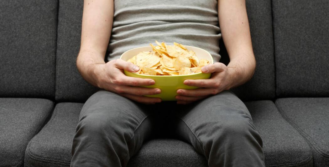 Ifølge en forsker er de fleste voksne overvektige, så her er det behov for en del upopulære tiltak. (Illustrasjonsfoto: Colourbox)