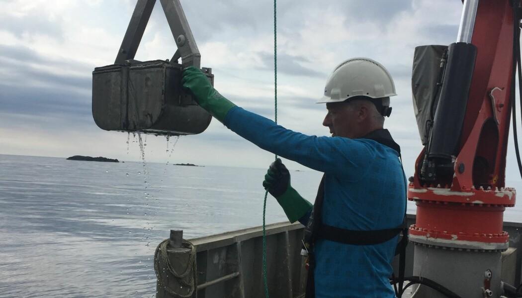 Slik hentet forskerne sedimentprøver fra sjøbunnen i Jøssingfjorden. (Foto: NIVA)