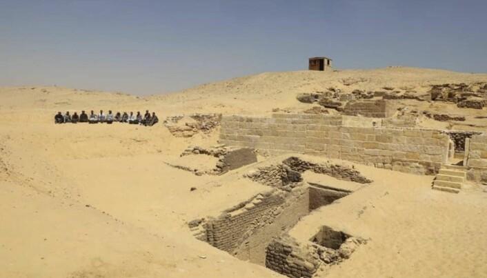 Arkeologer i Egypt har funnet et gravkammer som de mener er rundt 4500 år gammelt. (Foto: AP / NTB scanpix)