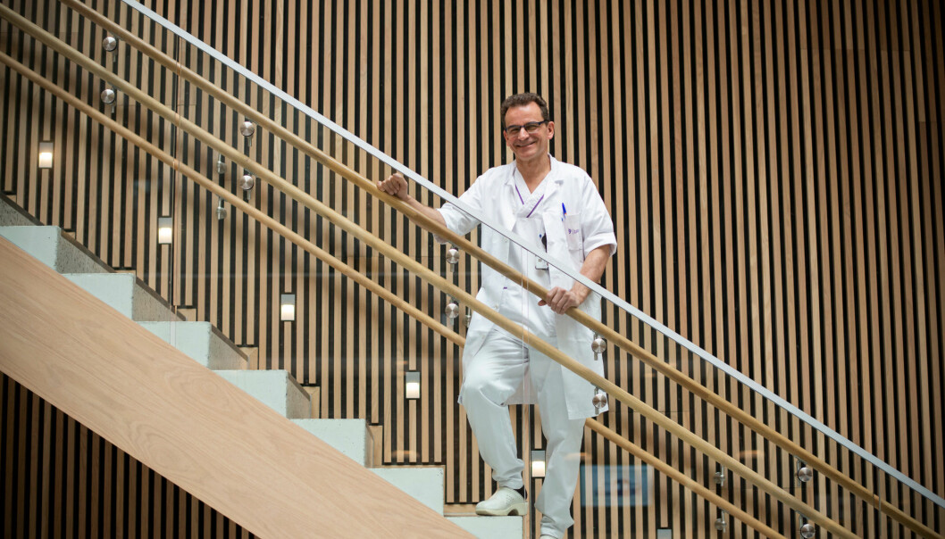 Overlege Nils Henrik Holmedahl ved LHL-sykehuset Gardermoen peker på at mange ikke vet at de har pustestopp når de sover. (Foto: Sonja Balci)