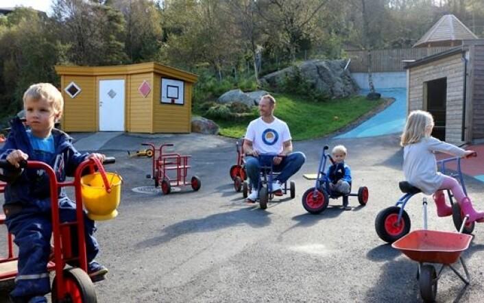 Trond Heggestad og Mariahøna barnehage har innført flere tiltak for å legge til rette for både individuell læring og bedre overganger til skolen. (Foto: Runo Isaksen/SIU)