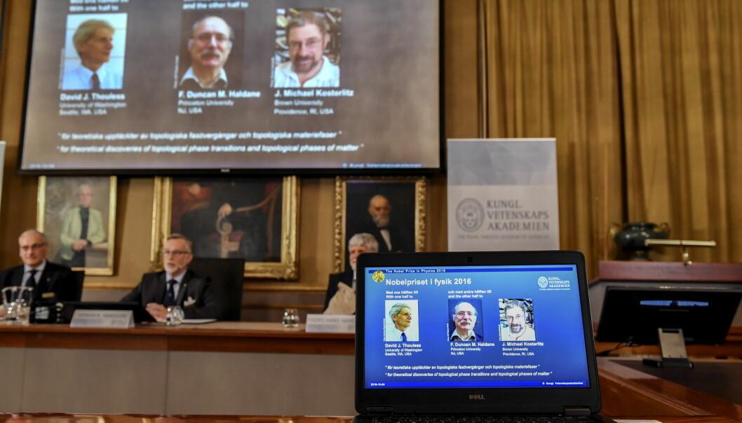 Kungliga Vetenskapsakademien i Stockholm kunngjorde tirsdag at årets nobelpris i fysikk går til de tre britiske forskerne David Thouless, Duncan Haldane og Michael Kosterlitz. (Foto: Anders Wiklund / TT / NTB scanpix)
