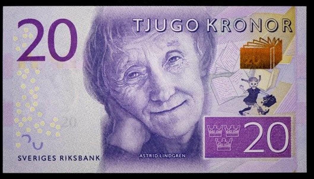 Sverige fikk for få måneder siden nye pengesedler der Astrid Lindgren, skaperen av Pippi Langstrømpe, fikk pryde 20-kronerseddelen. Men stadig mindre av pengebruken i Sverige er kontanter.  (TT/NTB Scanpix)