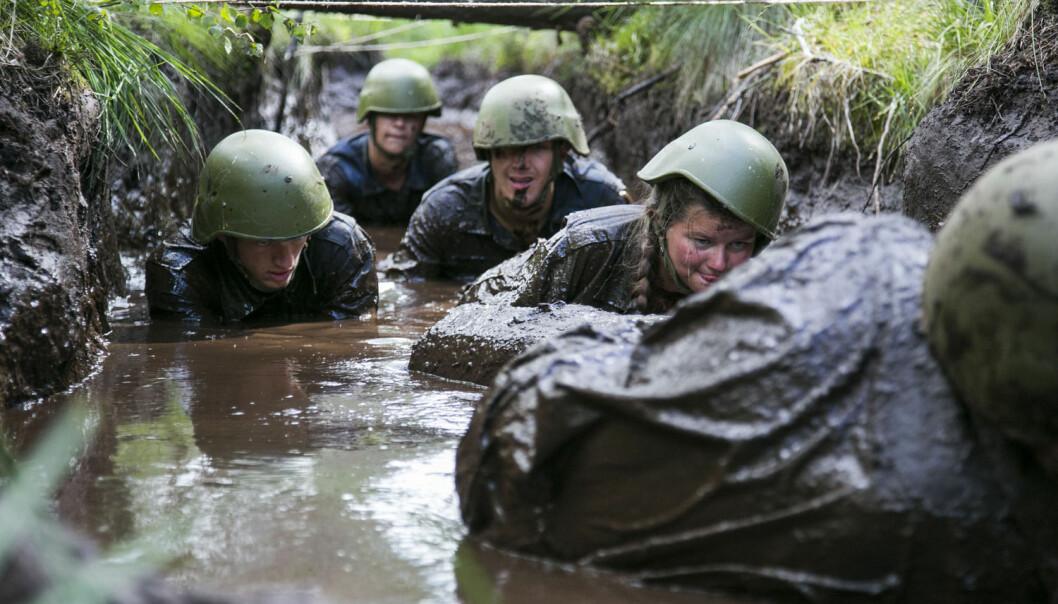 Både kvinner og menn mener at det er positivt med kvinner i forsvaret, viser ny studie.  (Foto: Tor Erik Schrøder, NTB scanpix)