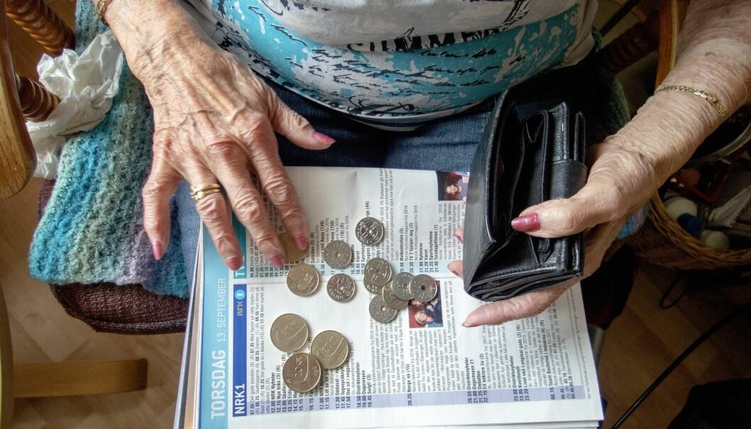 Ifølge forskning fra Folkehelseinstituttet lever personer på inntektstoppen lenger enn dem med lavest inntekt. (Illustrasjonsfoto: Gorm Kallestad, NTB scanpix)