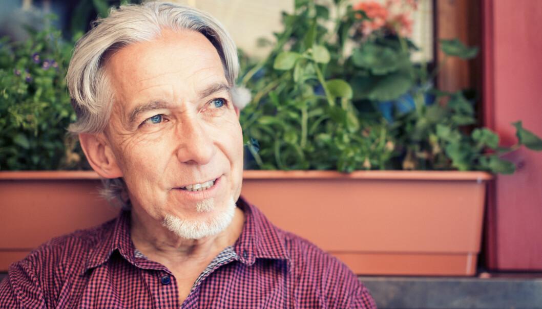 Etter pensjonsreformen i 2011 vil flere seniorer jobbe. Men mange, særlig menn, jobber samtidig som de benytter seg av muligheten til å ta ut alderspensjon før de fyller 67 år. Dette har en pris. (Foto: NTB scanpix/ Shutterstock)