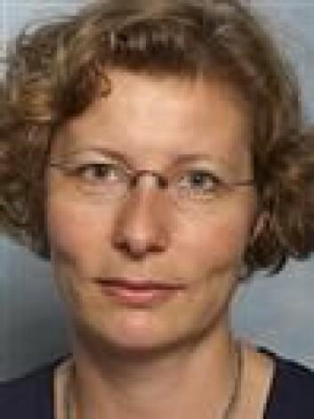 Helle Katrine Knutsen, seniorforsker ved Folkehelseinstituttet, forteller at blyammunisjon kan gi skjulte effekter på folkehelsen på befolkningsnivå. (Foto: Veterinærinstituttet)