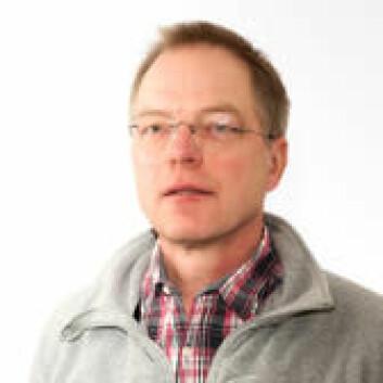 Jon Martin Arnemo har ledet arbediet med en kunnskapsoppsummering om blyammunisjon og påvirkning på miljø og helse. (Foto: Høgskolen i Hedmark)