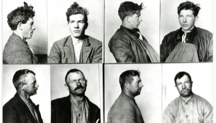 Fire antatte spritsmuglere tatt av politiet i Strømstad under den norske forbudstida. To var norske og to var svenske. En fisker, en sjømann, en bonde og en stenhogger, ifølge politijournalen. (Foto: Polismyndighetens arkiv, Strømstad)
