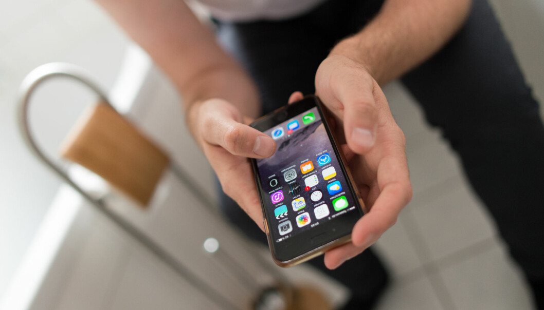 Ein *smarttelefon er *noko dei fleste ikkje vil tenkja på som velferdsteknologi, men det er det så absolutt. (Foto: Monika Skolimowska / NTB scanpix)