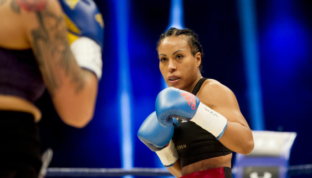 Forsker Wivi Andersen mener at boksing er godt egnet til å styrke utøvernes egenkjærlighet og selvforståelse. Ikke nødvendigvis boksekampen, men selve sparringen.  (Foto: Jon Olav Nesvold, NTB scanpix)